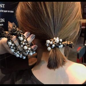 Accessories - Leopard Pearl Hair Tie